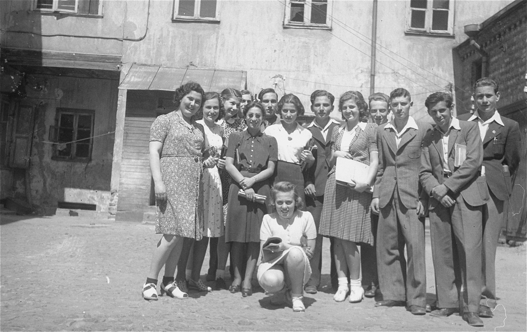 Group portrait of students from the Yiddish-Litvische Gymnasium in Kovno.