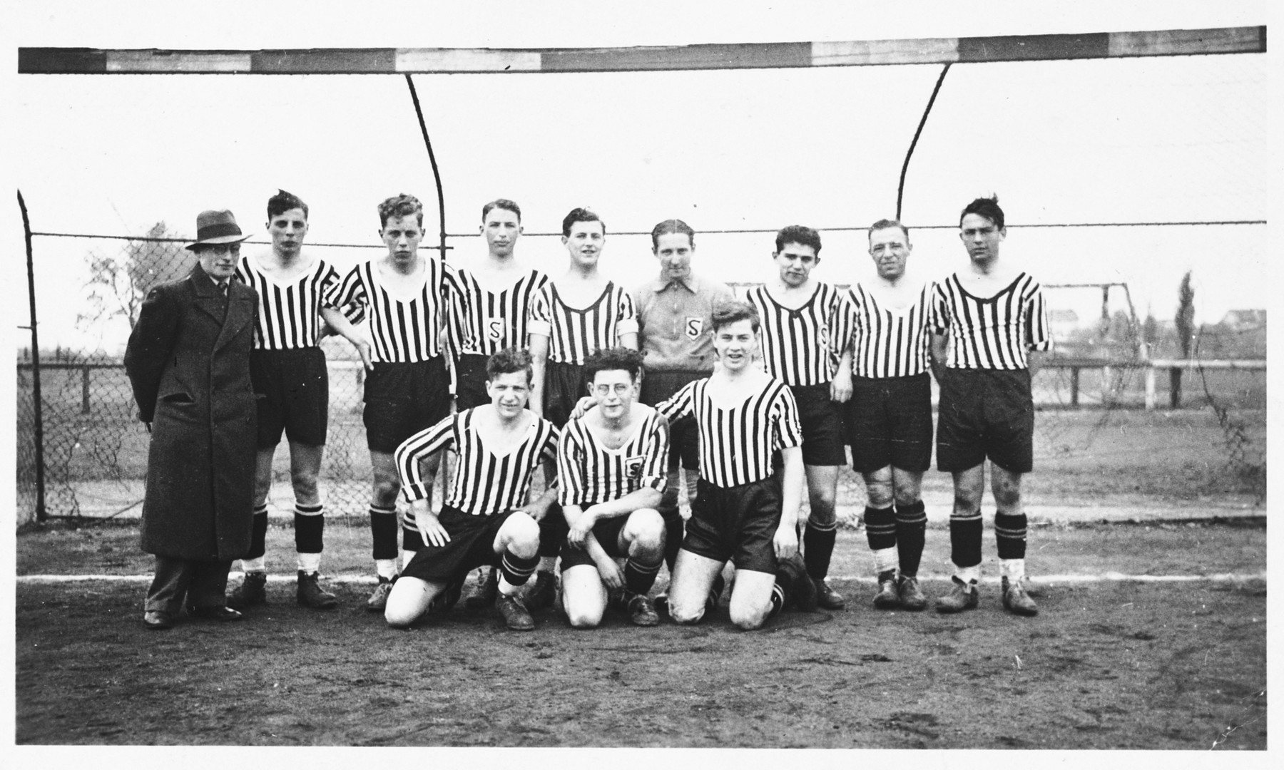 Group portrait of the members of a German-Jewish soccer team.