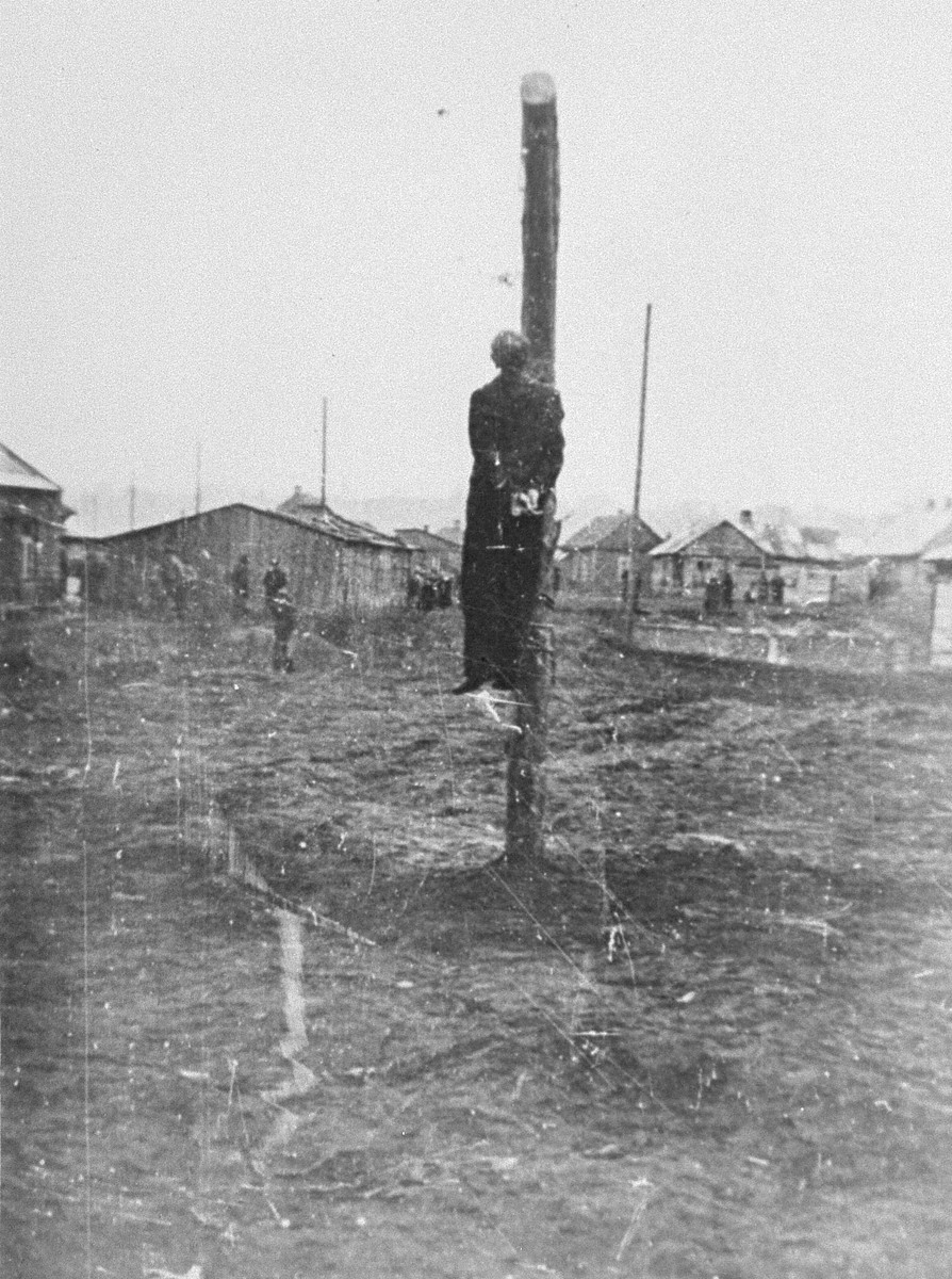 The public hanging of Nahum Meck in the Kovno ghetto.