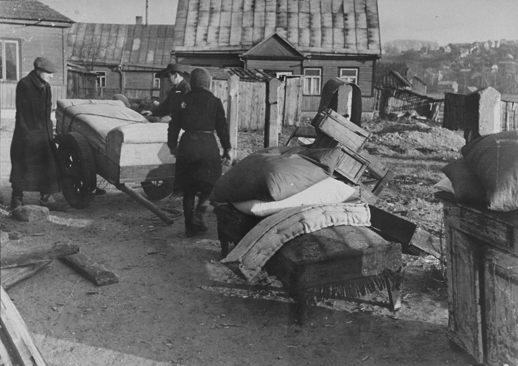 Jews move their household possessions into the Kovno ghetto.