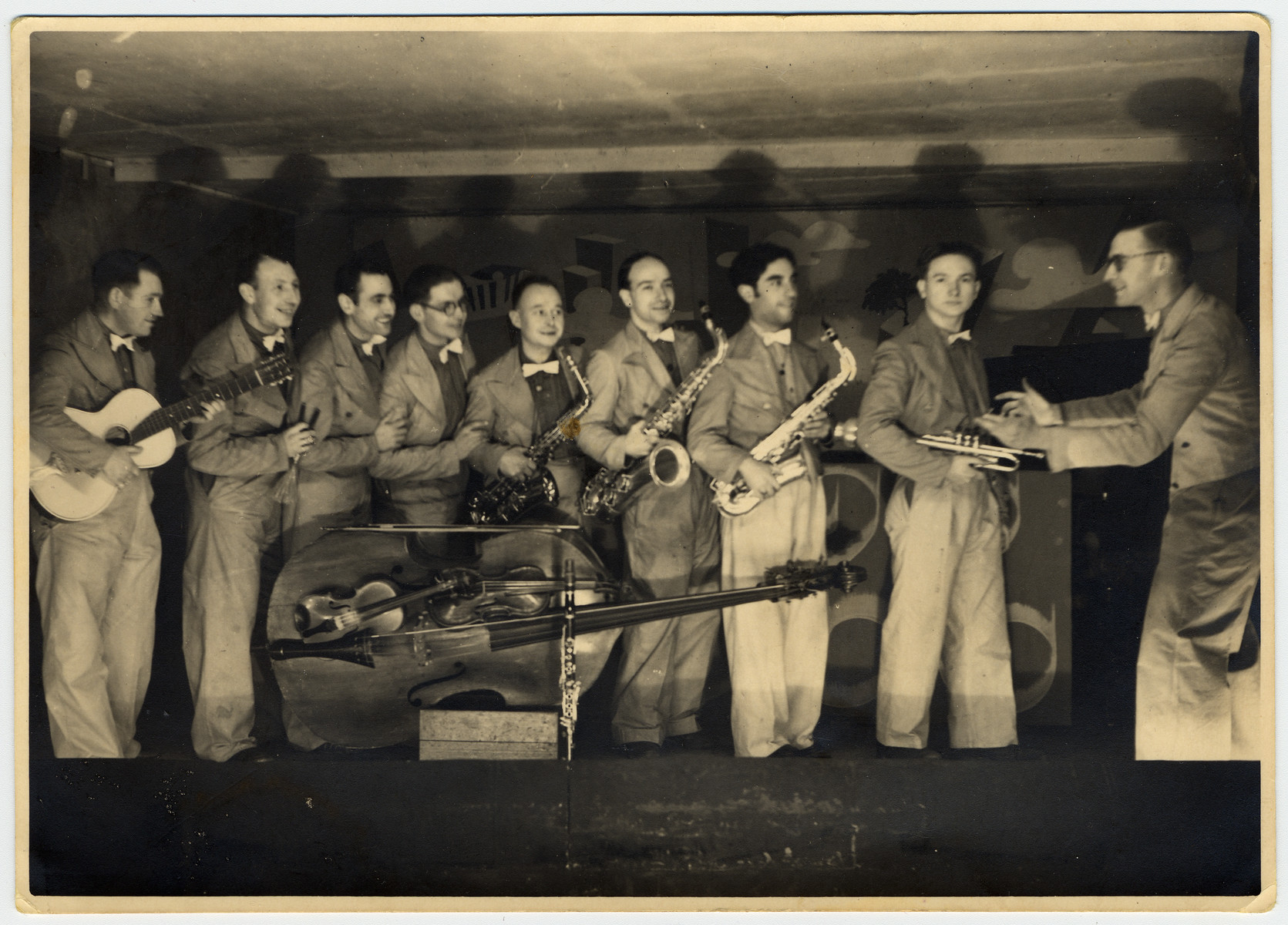 Performance of the prisoner tango orchestra in Stalag VIIIA.