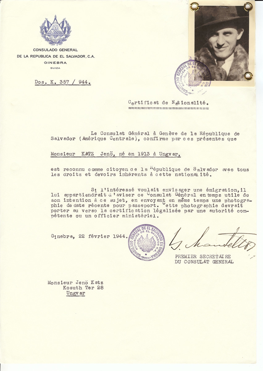 Unauthorized Salvadoran citizenship certificate issued to Jeno Katz (b. 1913 in Uzhorod) by George Mandel-Mantello, First Secretary of the Salvadoran Consulate in Switzerland and sent to his residence in Uzhorod.
