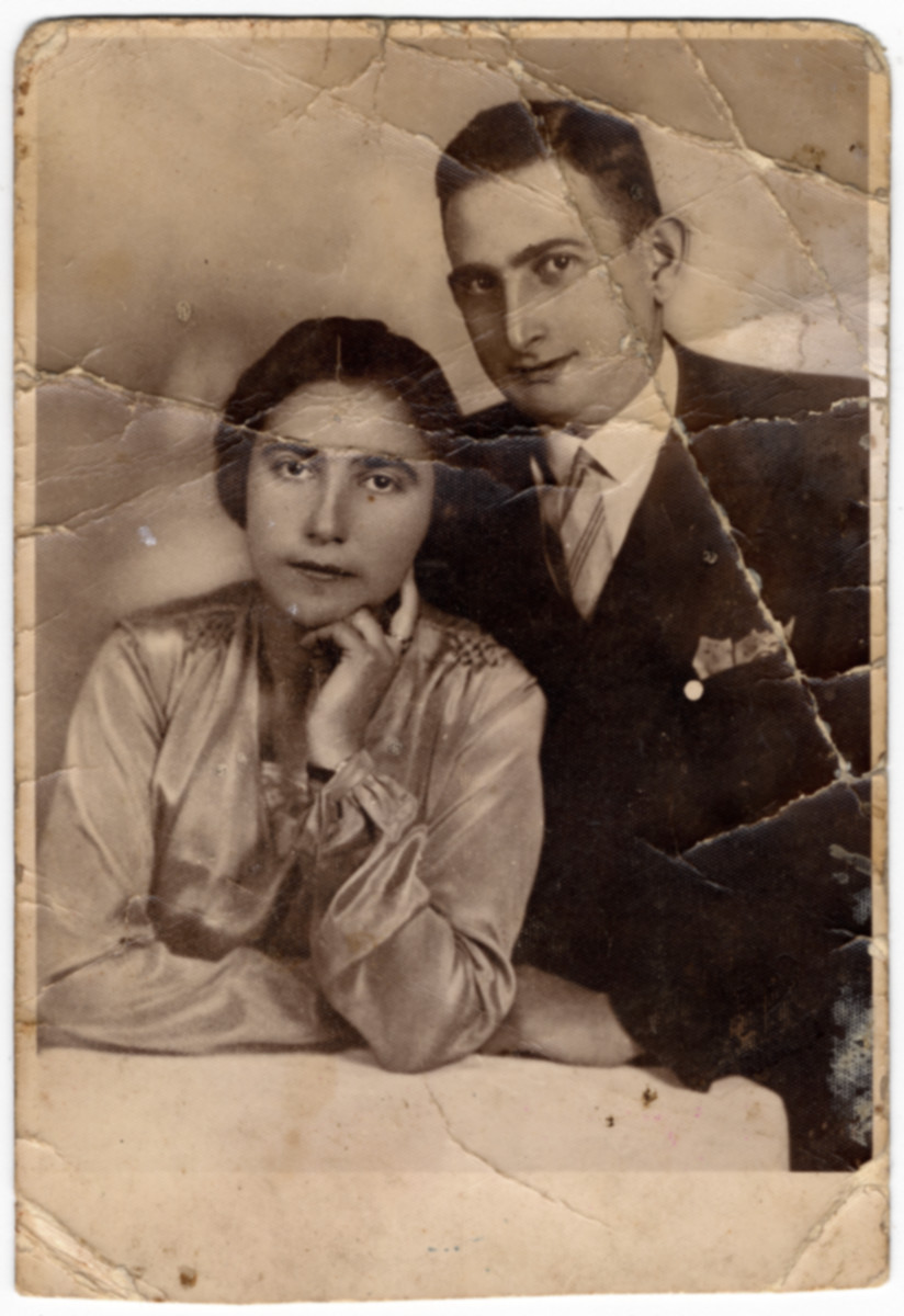 Studio portrait of siblings Esther and Avraham David Lifschitz.