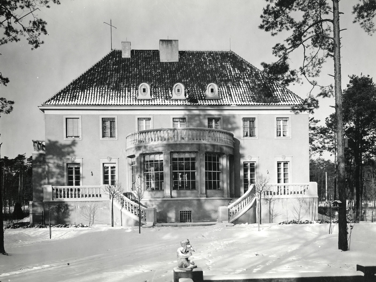 Exterior view of the Lewinnek's home in Berlin prior to the Nazi take-over.