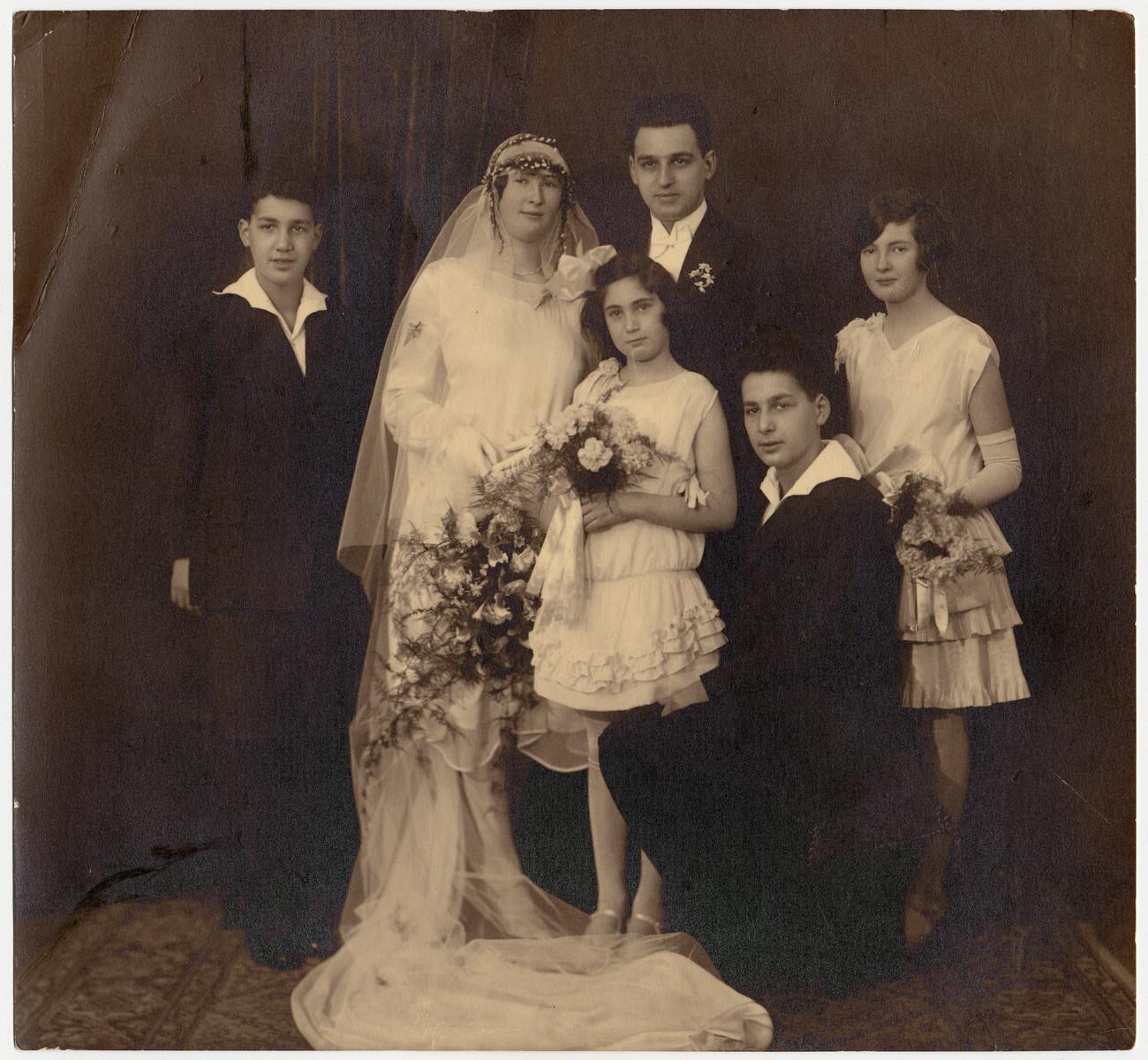 Wedding portrait of Minnie Van Dam and Abrasha Vromen.