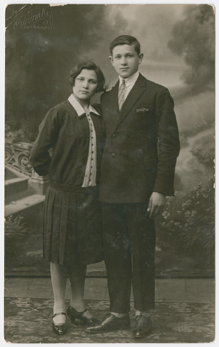 Studio portrait of Yehuda and Tyba Bielski.