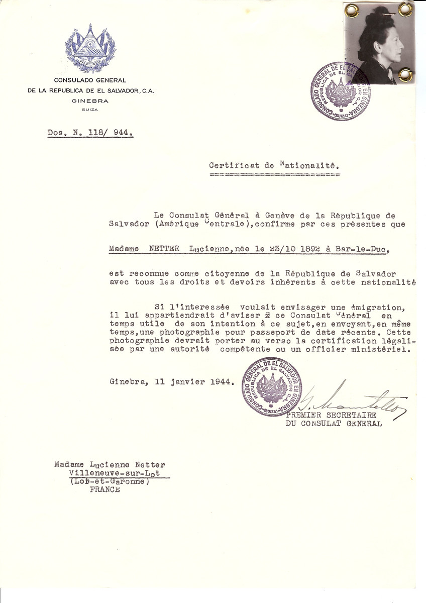 Unauthorized Salvadoran citizenship certificate issued to Lucienne Netter (b. October 23, 1892 in Bar-le-Duc) by George Mandel-Mantello, First Secretary of the Salvadoran Consulate in Switzerland and sent to her residence in Villeneuve-sur-Lot.
