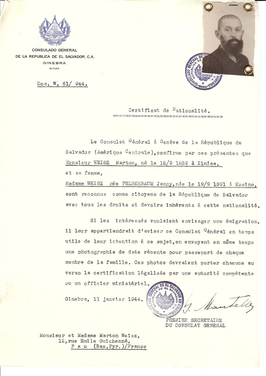 Unauthorized Salvadoran citizenship certificate issued to Marton Weisz (b. September 12, 1889 in Ilnice) and his wife Janny (nee Felberbaum) Weisz (b. September 19, 1889 in Kosino) by George Mandel-Mantello, First Secretary of the Salvadoran Consulate in Switzerland and sent to their residence in Pau.