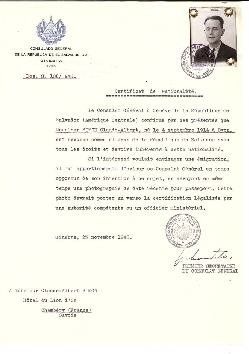 Unauthorized Salvadoran citizenship certificate issued to Claude-Albert Simon (b. September 4, 1914 in Lyon) by George Mandel-Mantello, First Secretary of the Salvadoran Consulate in Switzerland and sent to his residence in Chambery.