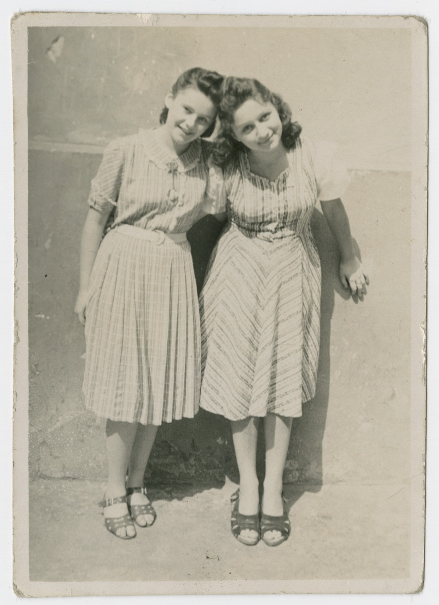 Miriam Wattenberg (Mary Berg) and her friend Mickie Rubin pose together in the Warsaw ghetto.