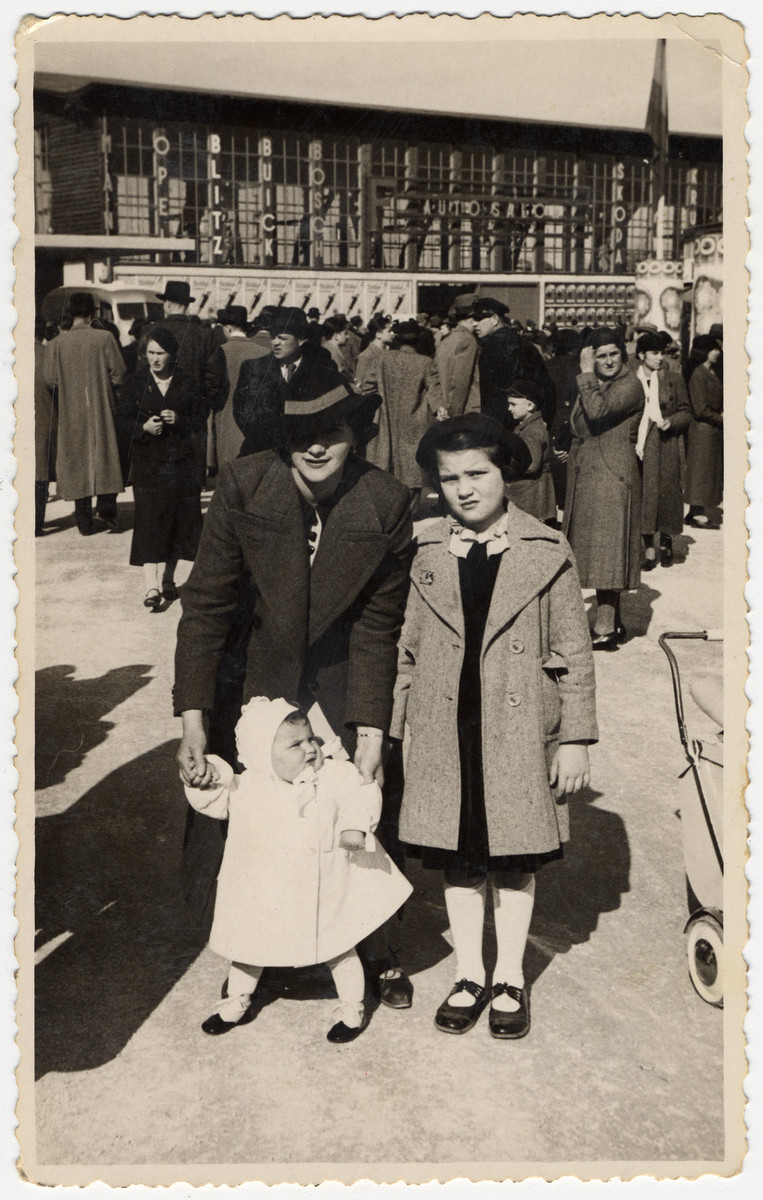 Marta Willer, her baby daughter Rina, and niece Erna Tarbuk pose in a public square in Zagreb.   Erna Tarbuk was half-Jewish and the daughter of a Croatian aristocrat.  Because of her family background she corresponded with Marta's husband after his incarceration in Jasenovac.