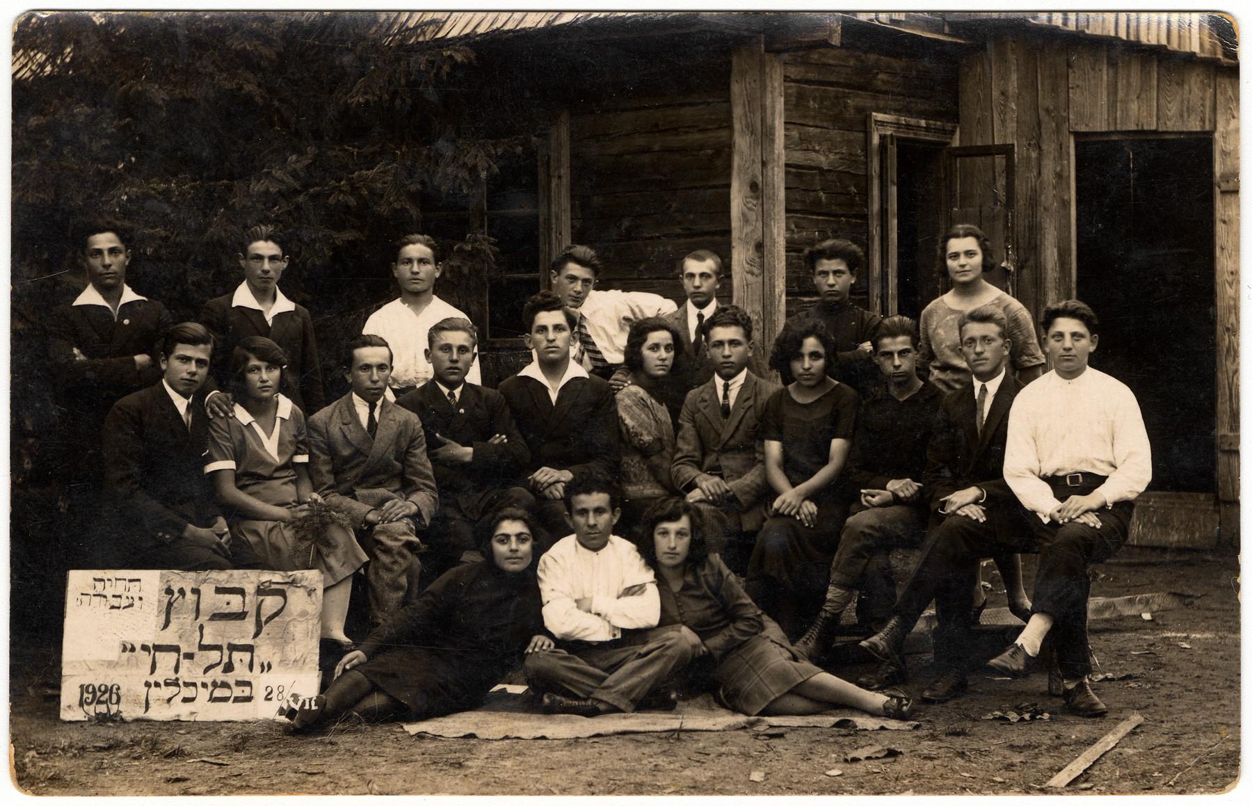Members of the Zionist hachshara, Kibbutz Tel-Chai in Michalin.