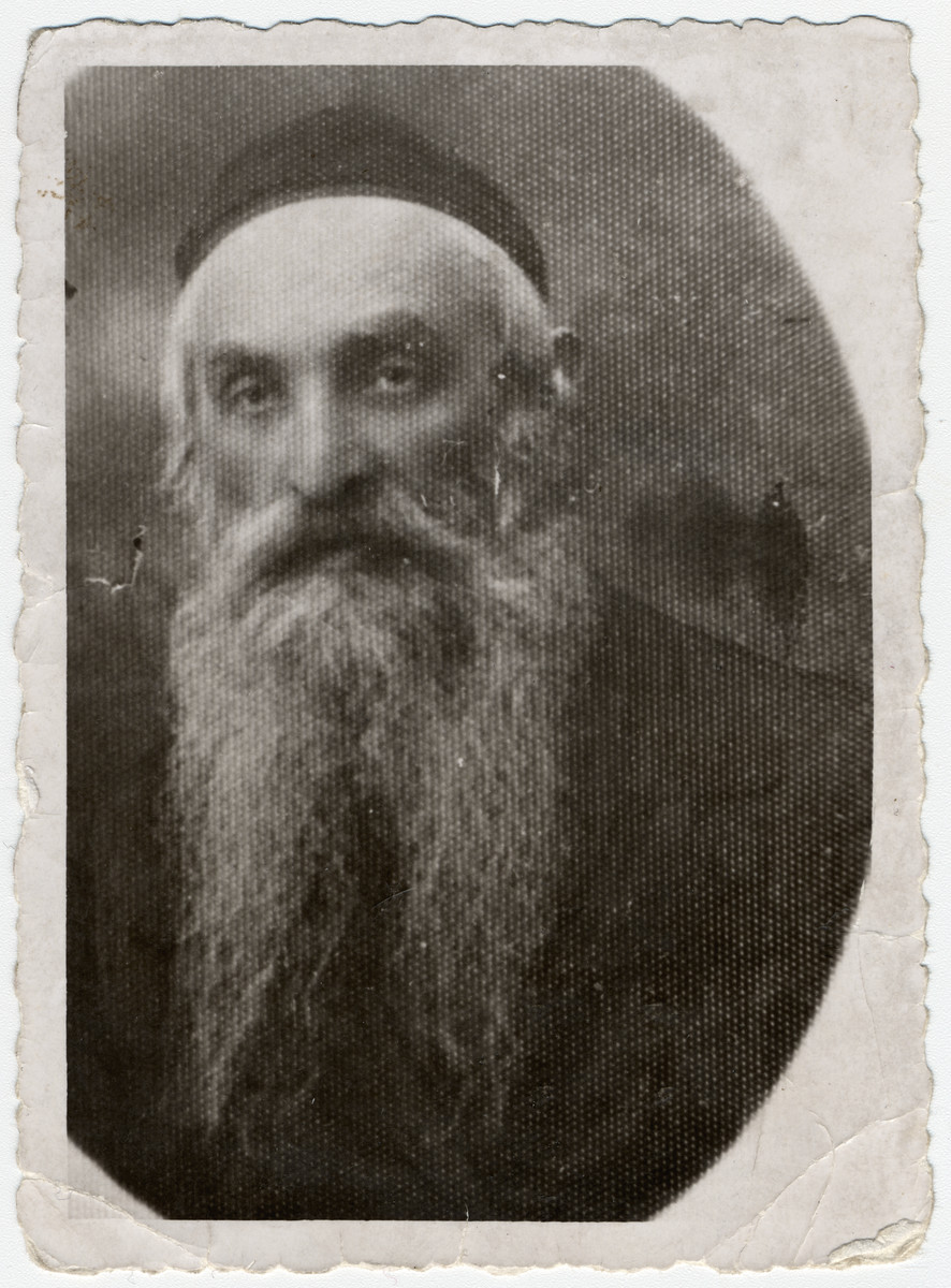 Studio portrait of Rabbi Nachman Fatschtek of Dabrowica.