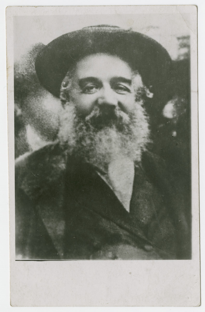 Close-up portrait of the Muncaczer rebbe, Rabbi Chaim Eliezer Shapiro.
