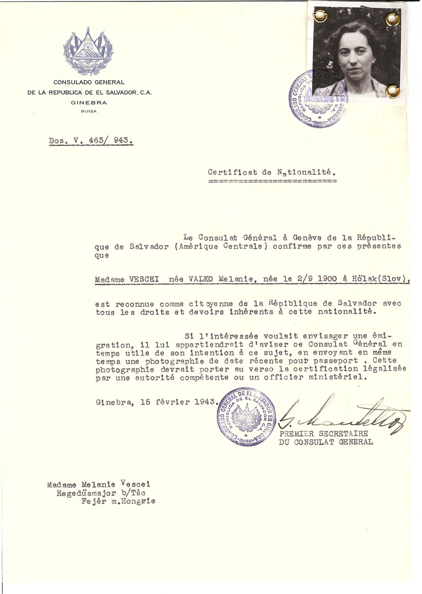 Unauthorized Salvadoran citizenship certificate issued to Melanie (nee Valko) Vescei (b. September 2, 1900 in Holak) by George Mandel-Mantello, First Secretary of the Salvadoran Consulate in Geneva and sent to her in Fejer.