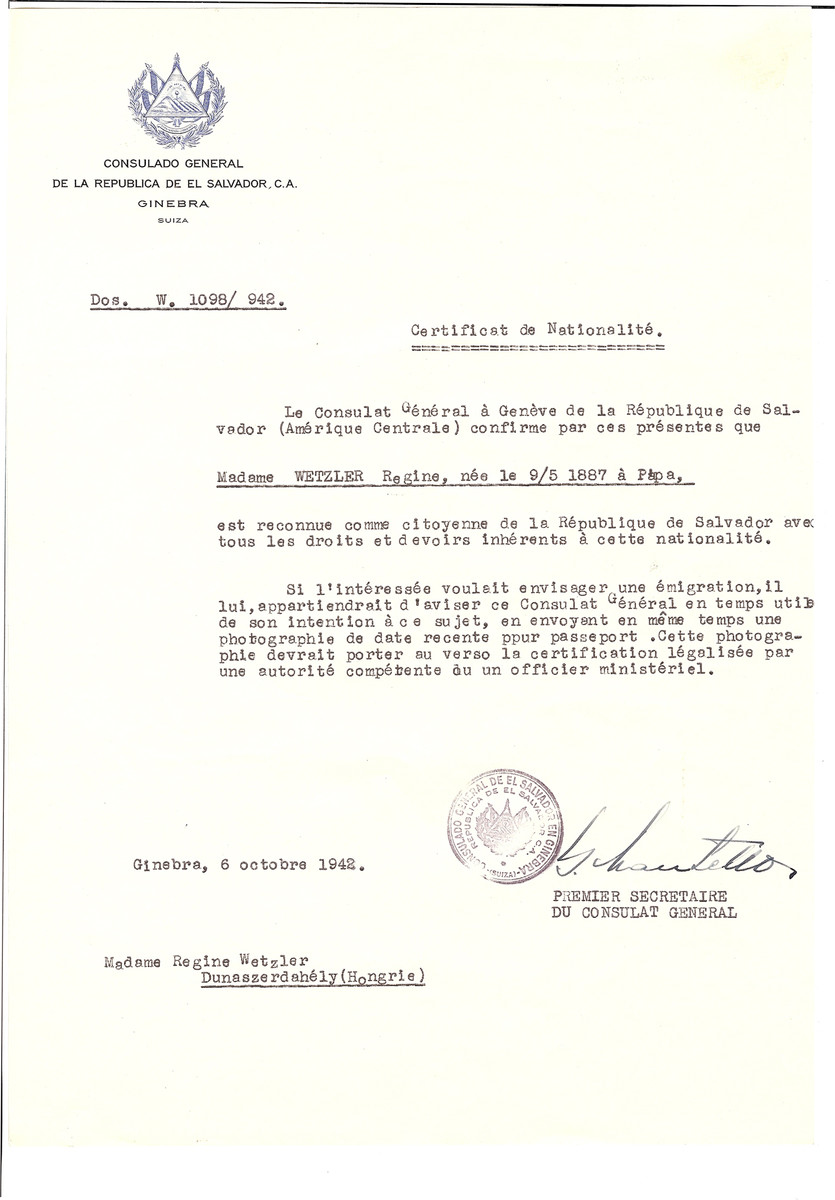 Unauthorized Salvadoran citizenship certificate issued to Regine Wetzler (b. May 9, 1887 in Papa) by George Mandel-Mantello, First Secretary of the Salvadoran Consulate in Geneva and sent to her in Dunaszerdahely.