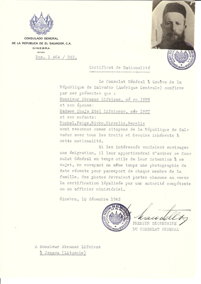 Unauthorized Salvadoran citizenship certificate issued to Abramas Lifsicas (b. 1888), his wife Chaja Etel Lifsicene (b. 1887) and children Rochel, Feige, Rivke, Hirselis and Berelis of Jonava by George Mandel-Mantello, First Secretary of the Salvadoran Consulate in Switzerland.