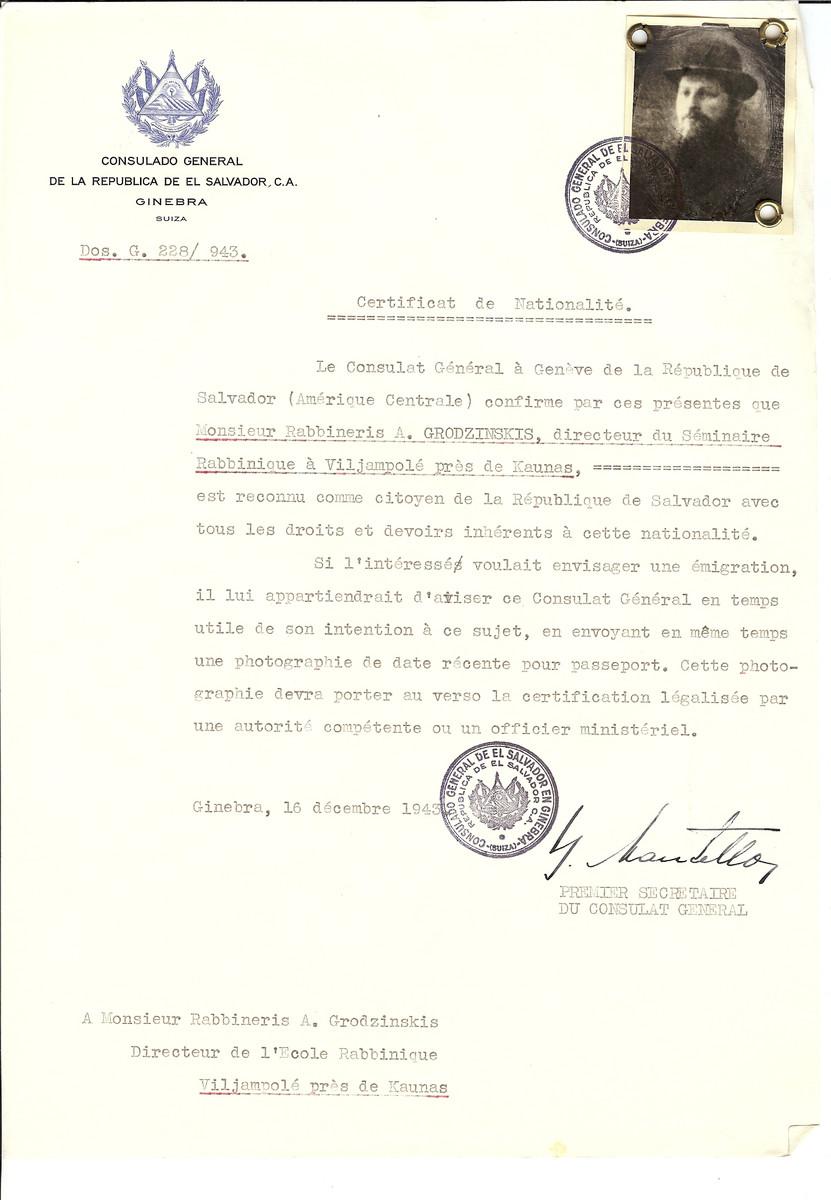 Unauthorized Salvadoran citizenship certificate issued to Rabbi Abraham Grodzinskis, director of the Viliampole (Slobokda) Yeshiva by George Mandel-Mantello, First Secretary of the Salvadoran Consulate in Switzerland.