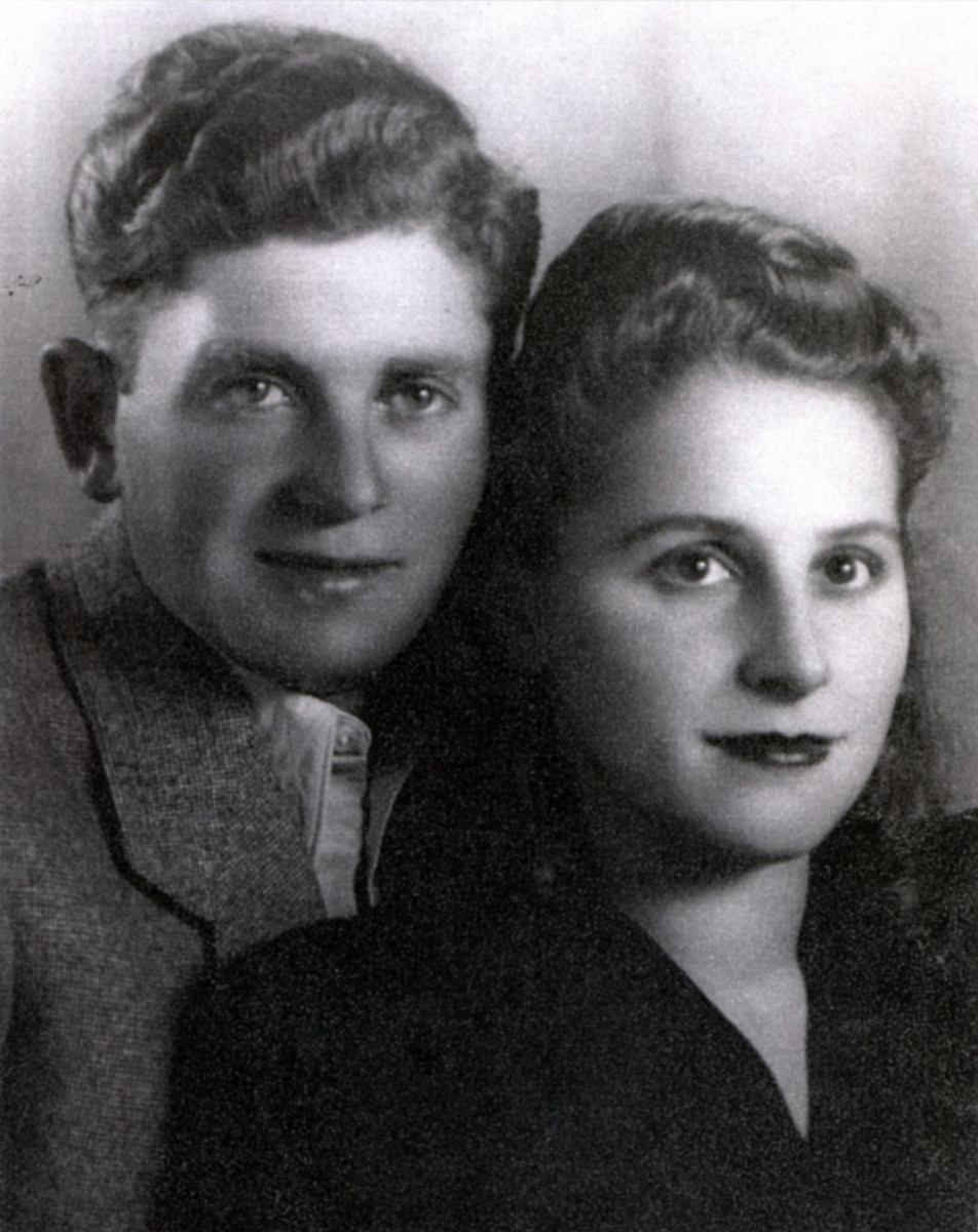 Studio portrait of Kopel and Tova Luksenburg.
