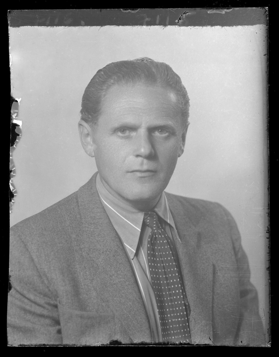Studio portrait of Imre Berger.