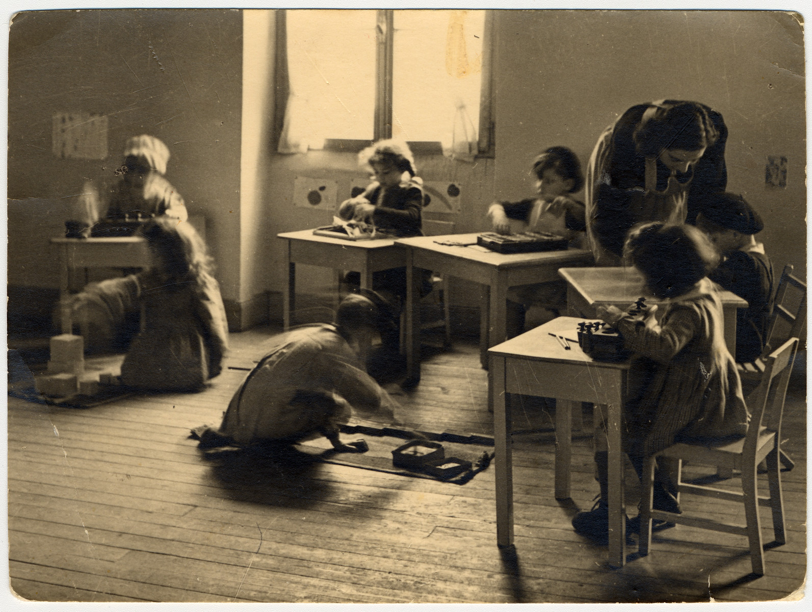 Margot Bloch (later Klein) teaches a Jewish kindergarten class in Strasbourg.