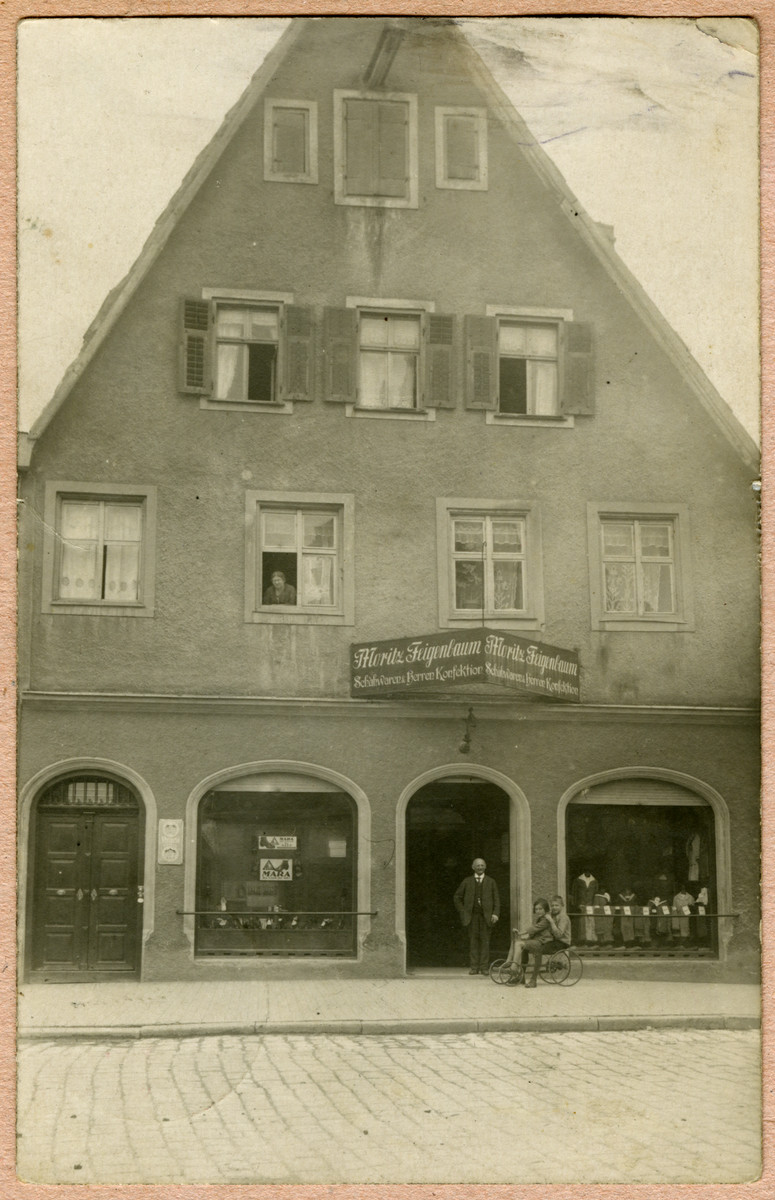 Exterior view of the shoe store of Moritz and Ida Feigenbaum (grandfparents of Kurt).  They lived above the store.