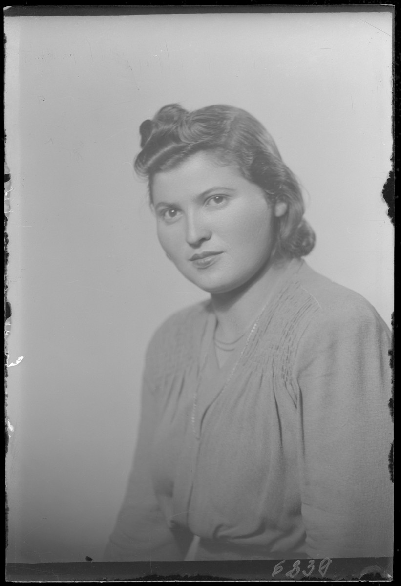 Studio portrait of Rozsi Berkovits.