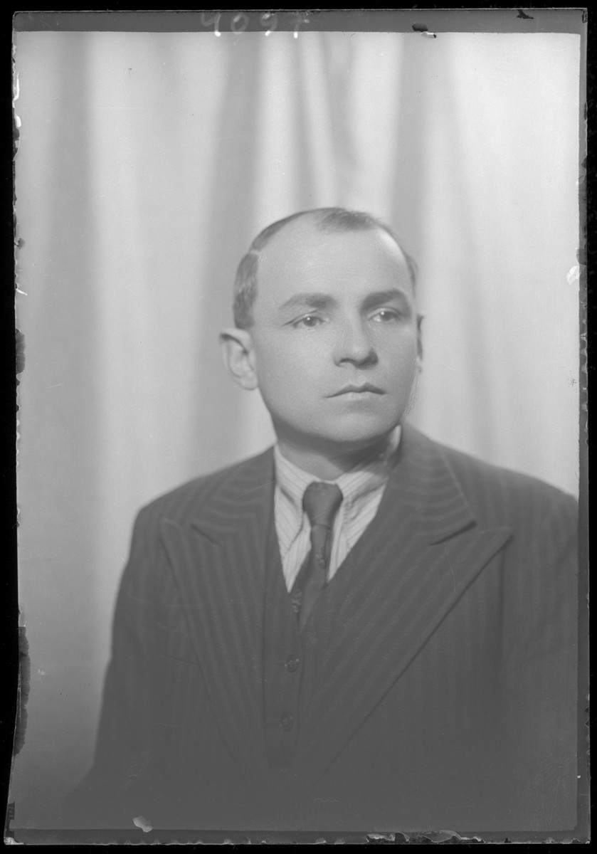 Studio portrait of Sandor Berkovits.
