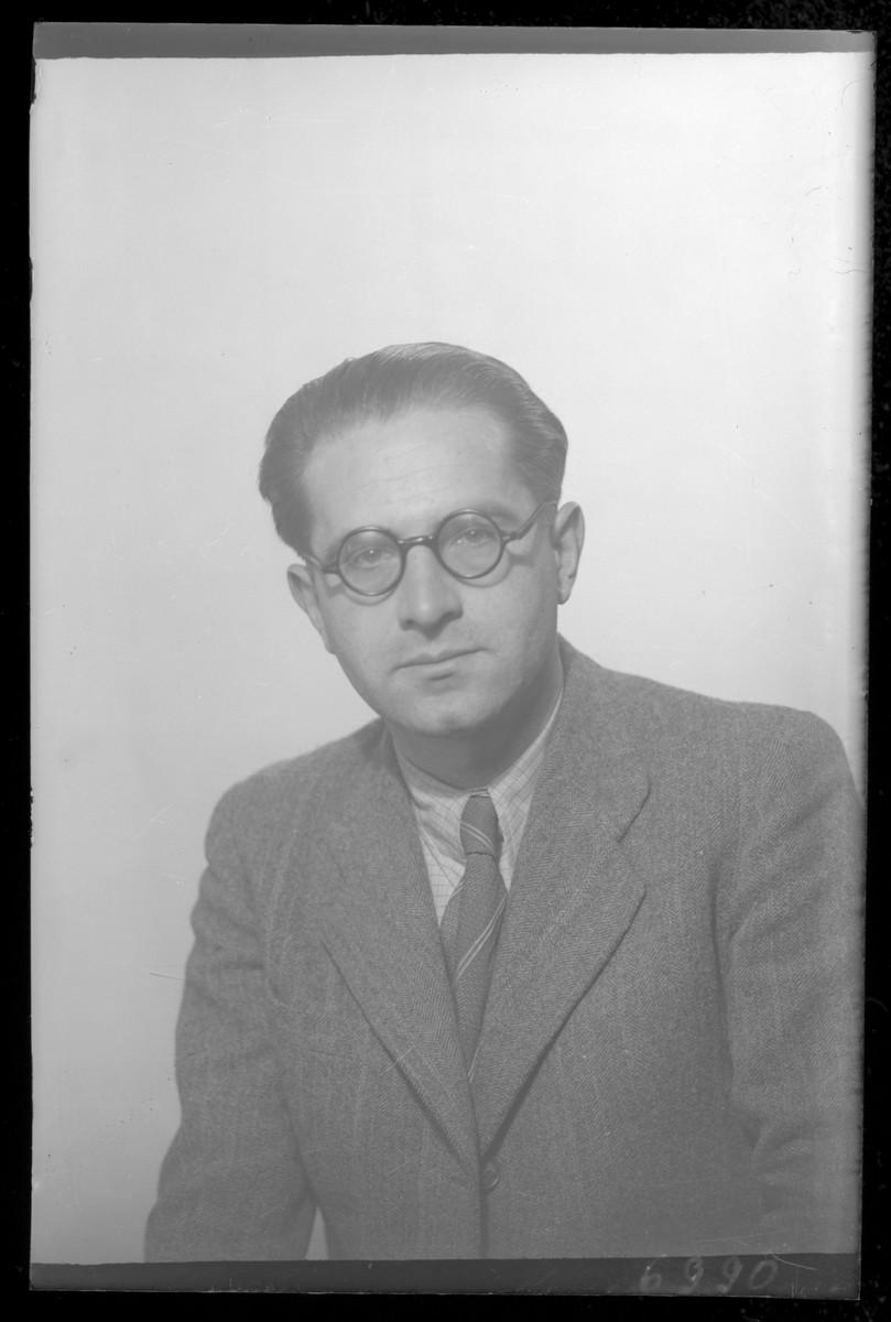 Studio portrait of Dr. Laszlo Schvartz.
