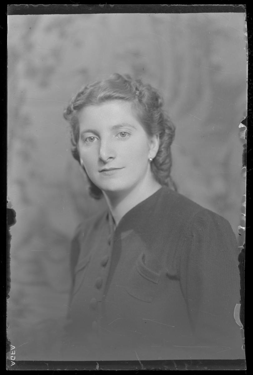 Studio portrait of Olga Forhausberger.