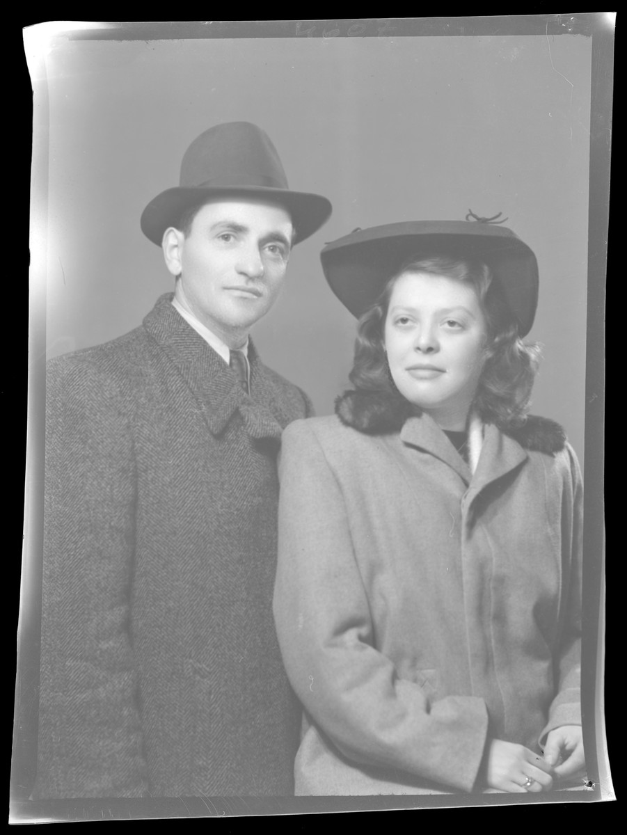 Studio portrait of Samuel Deuts and probably his wife.