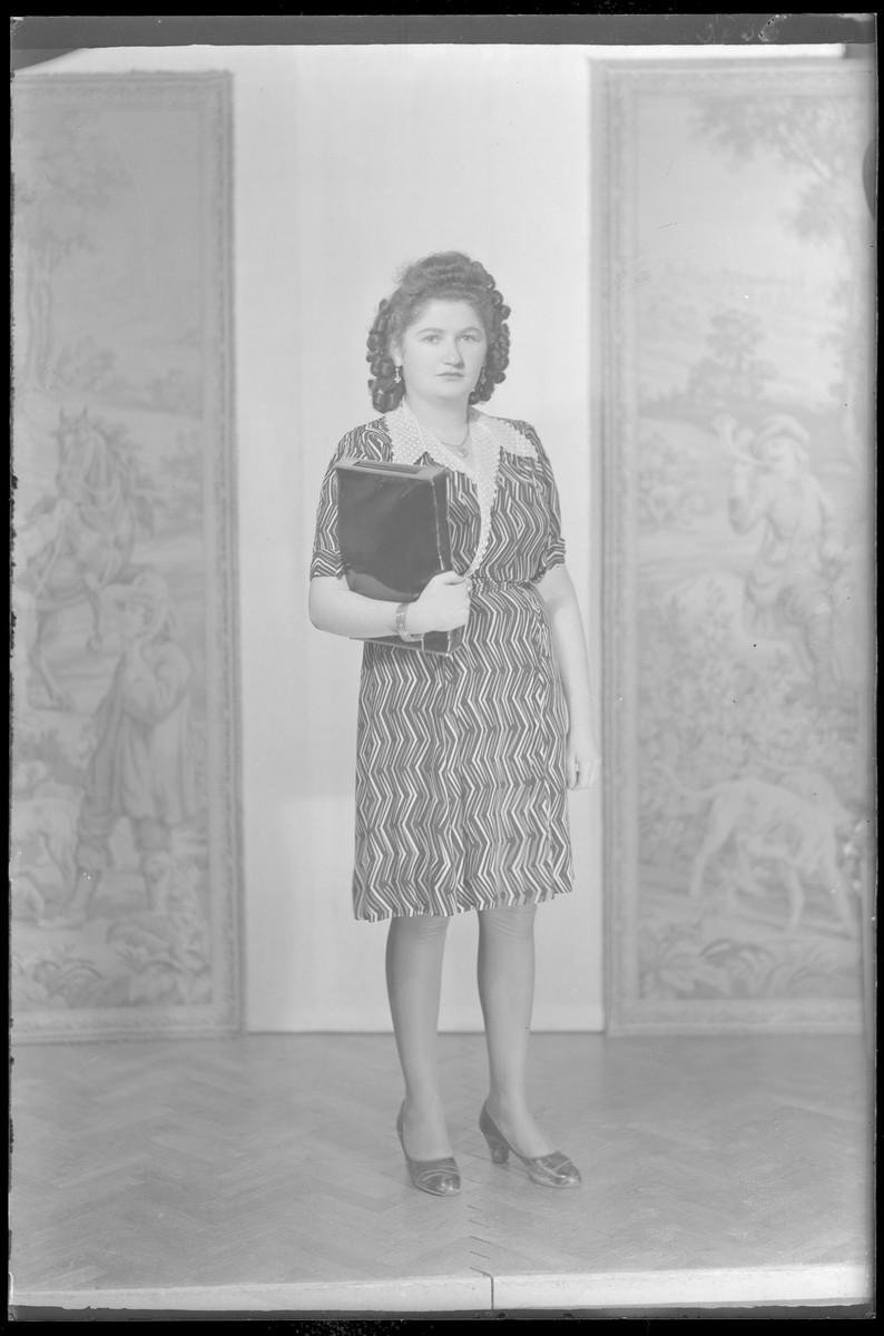 Studio portrait of Rozsi Ferenc.