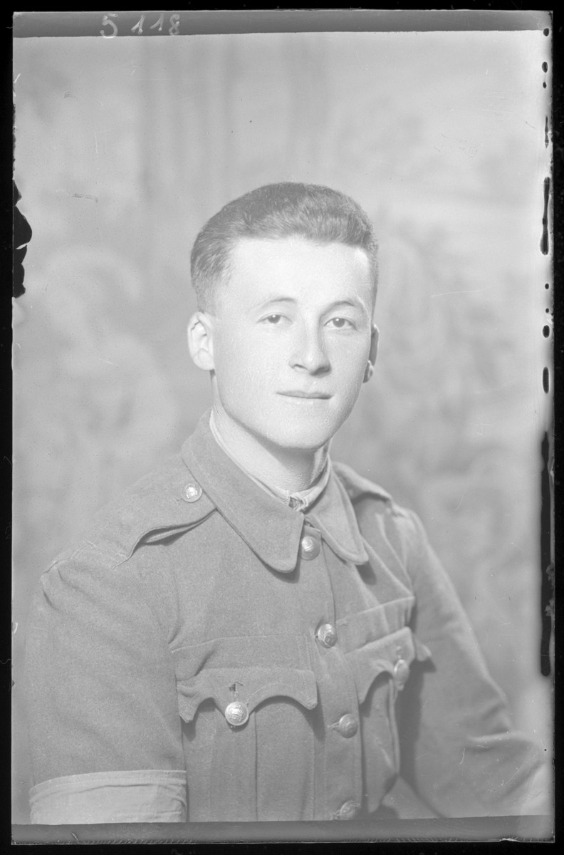 Studio portrait of Herman Fridman in a military uniform.