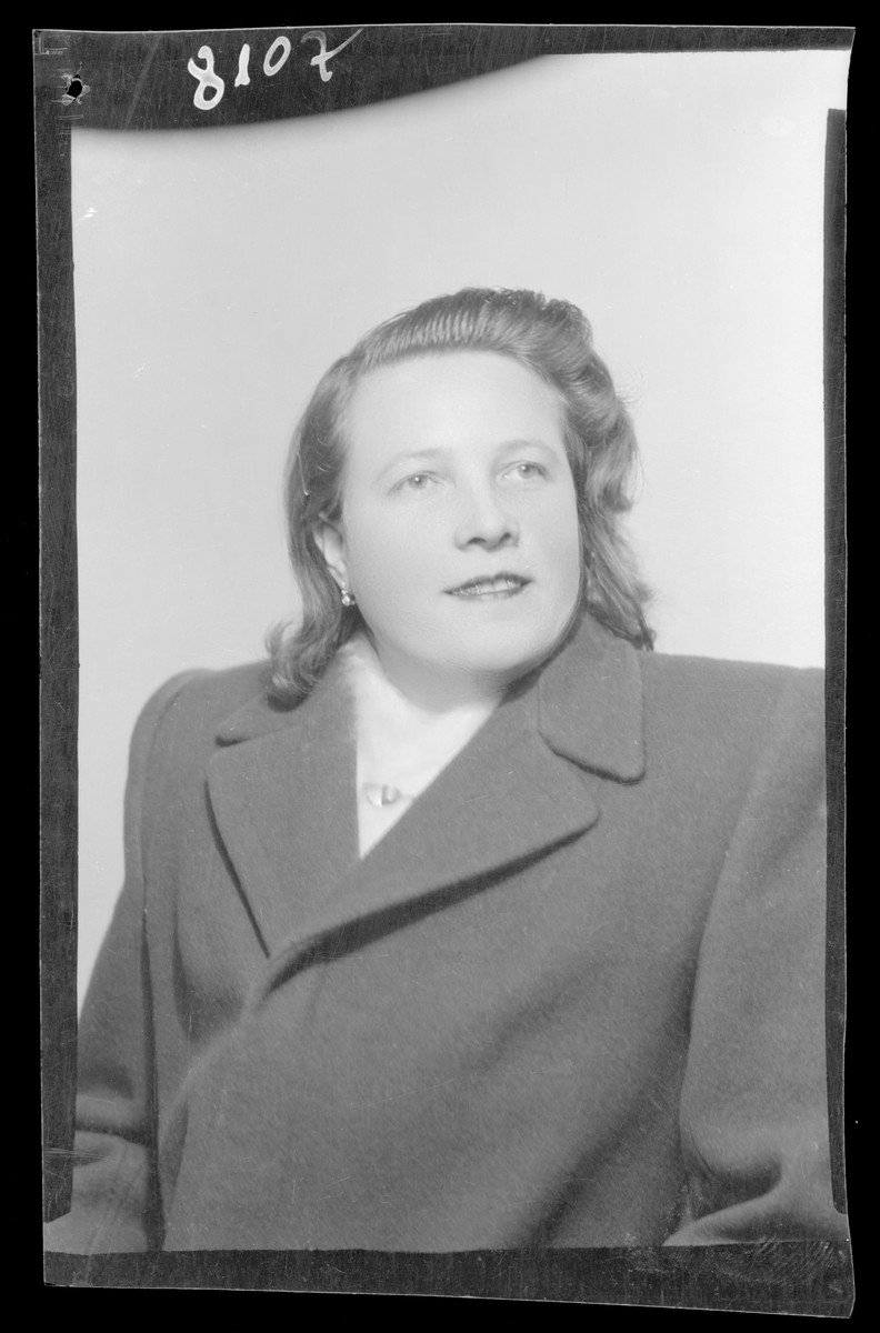 Studio portrait of Marci Davidovits.