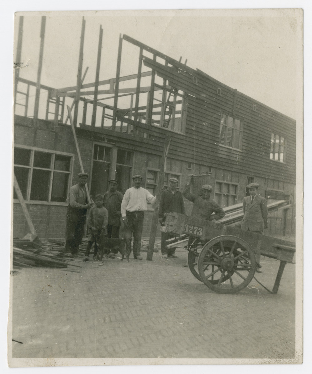 Benjamin Baars works at a construction site.  He was later killed in Auschwitz in September, 1942.