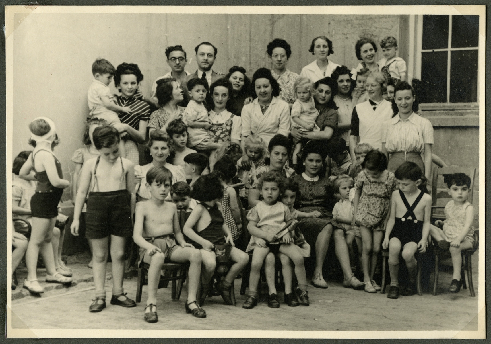 Group portrait of the young children in one of the children's homes organized by Fela Perelman [probably Nos Petits].