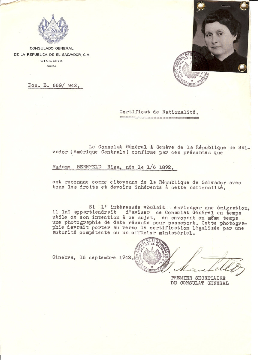 Unauthorized Salvadoran citizenship certificate issued to Riza Bernfeld (b. June 1, 1892) by George Mandel-Mantello, First Secretary of the Salvadoran Consulate in Switzerland.