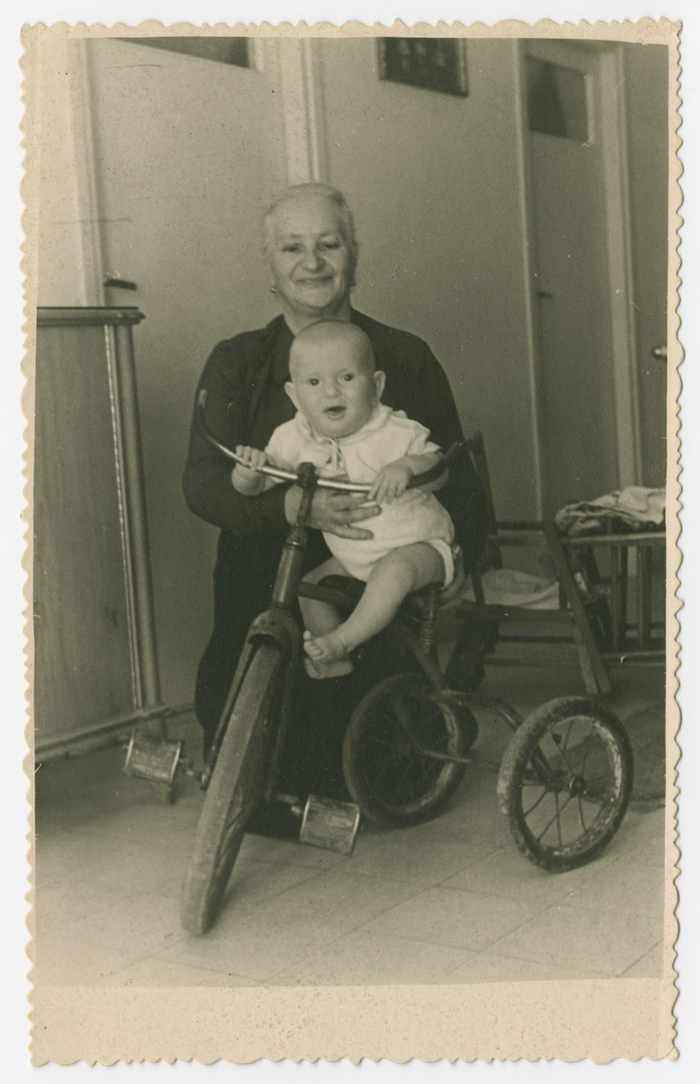 Simon Paul Lingerleider with his grandmother Rose Leidner.