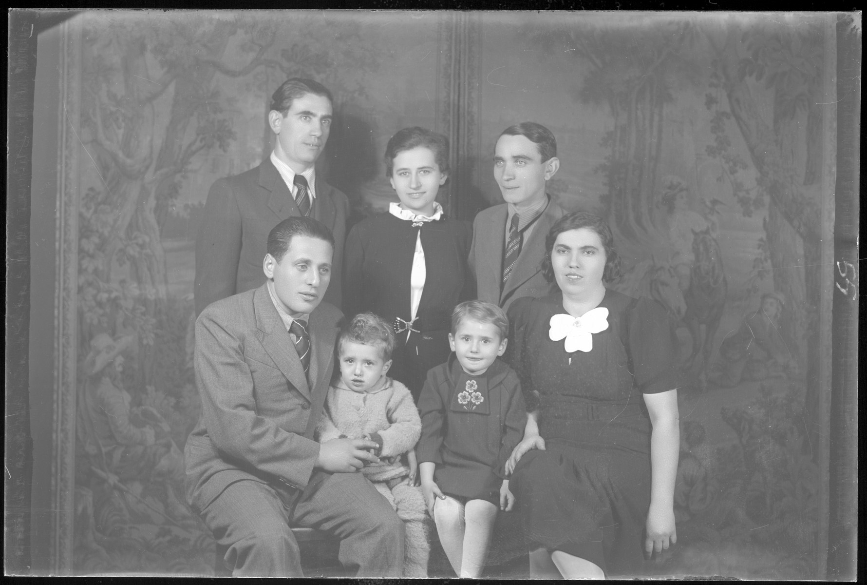 Studio portrait of the family of Gyorgy Schvartz.