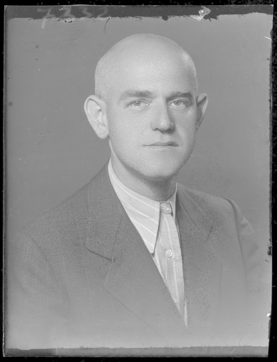 Studio portrait of Ferenc Rozenstein.
