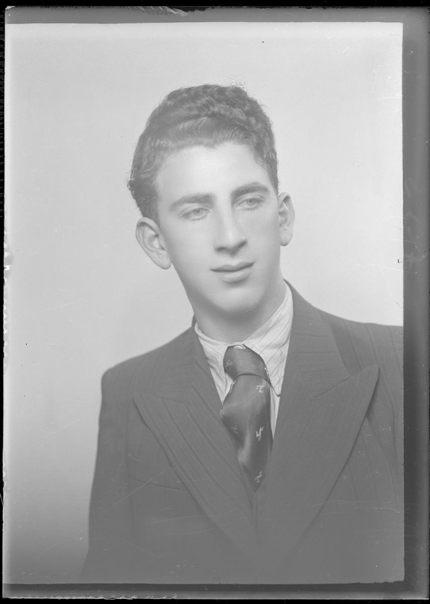 Studio portrait of Ferenc Rozenfeld.