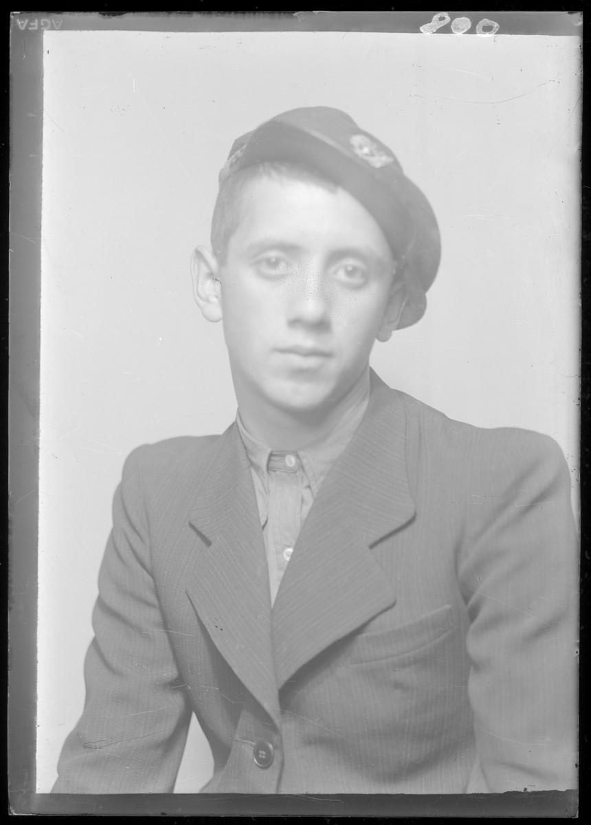 Studio portrait of Nathan Rozenfeld.