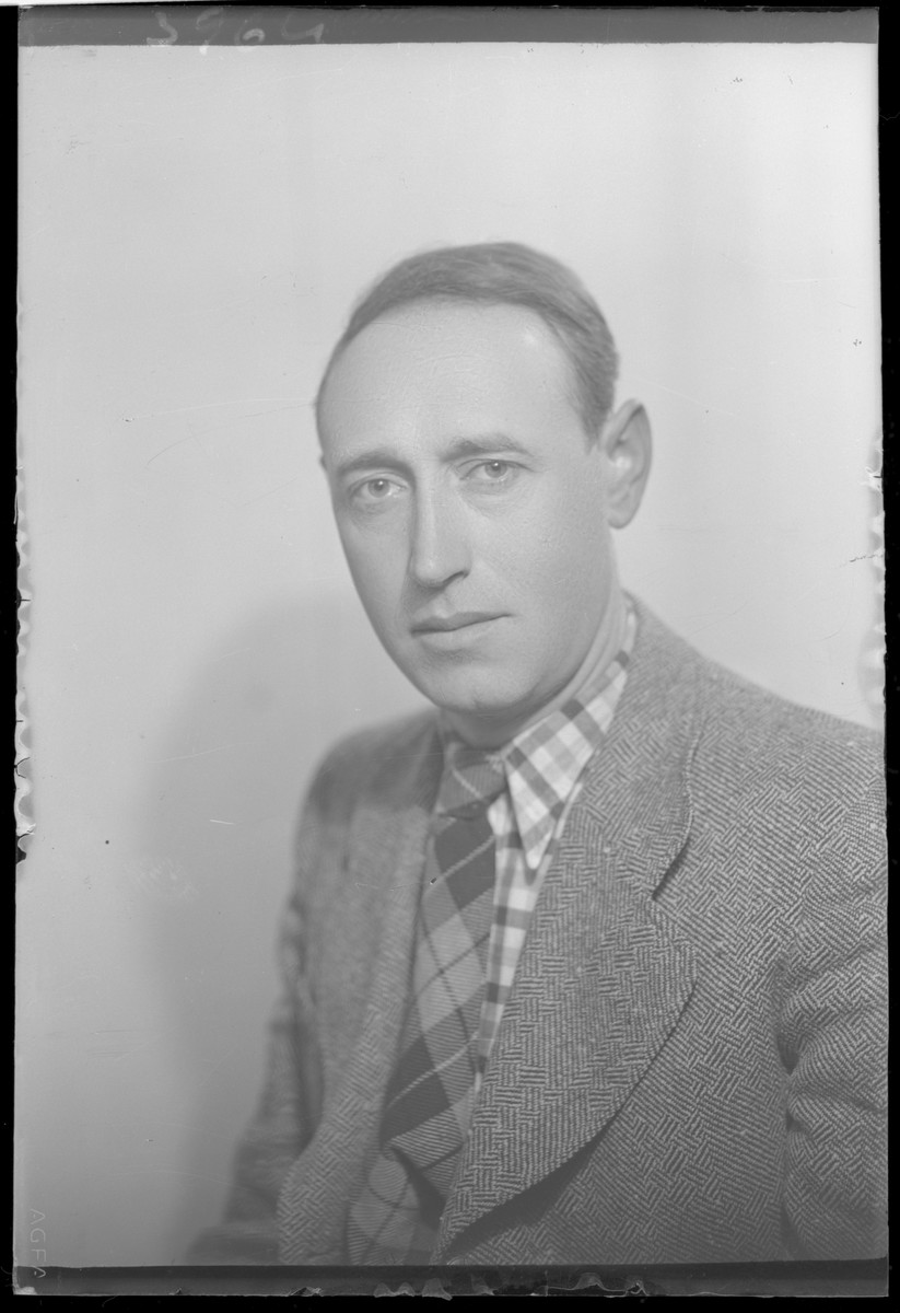 Studio portrait of Bela Rozenberg.