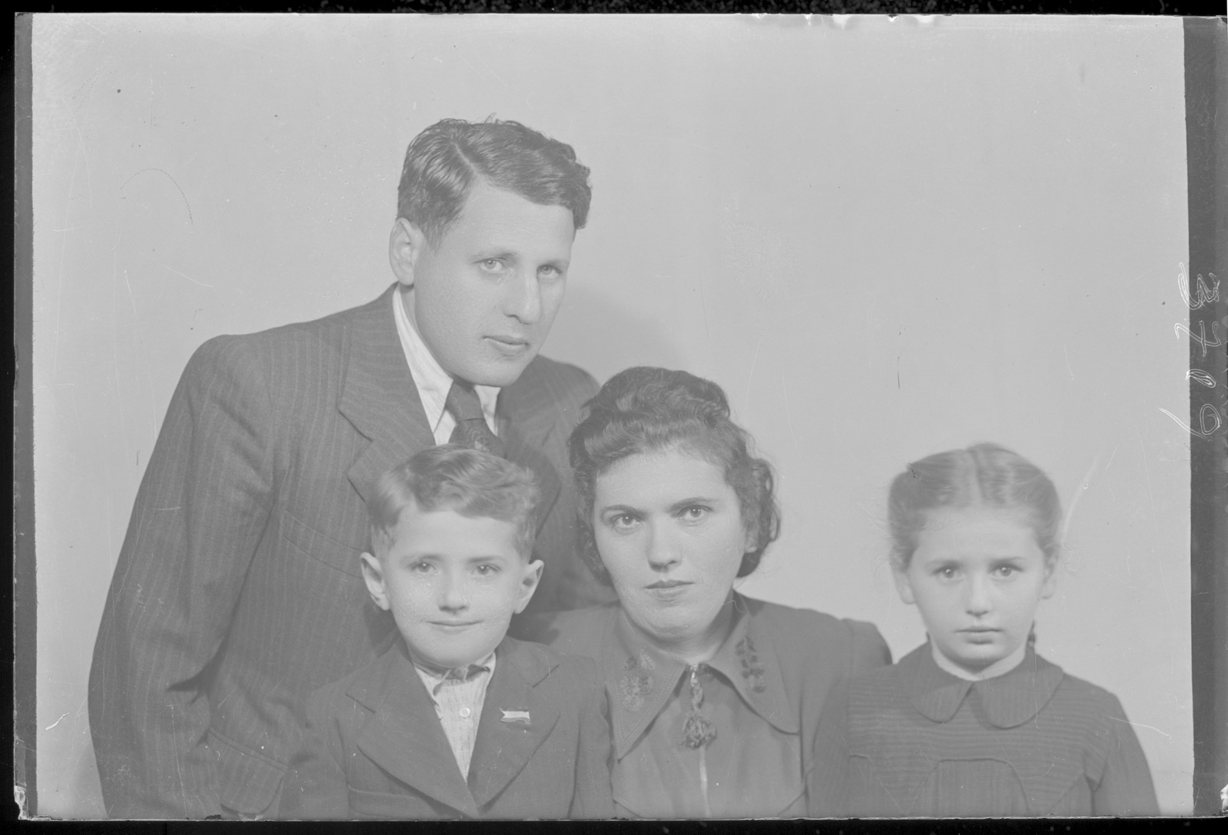 Studio portrait of the family of Gyorko Schvartz.
