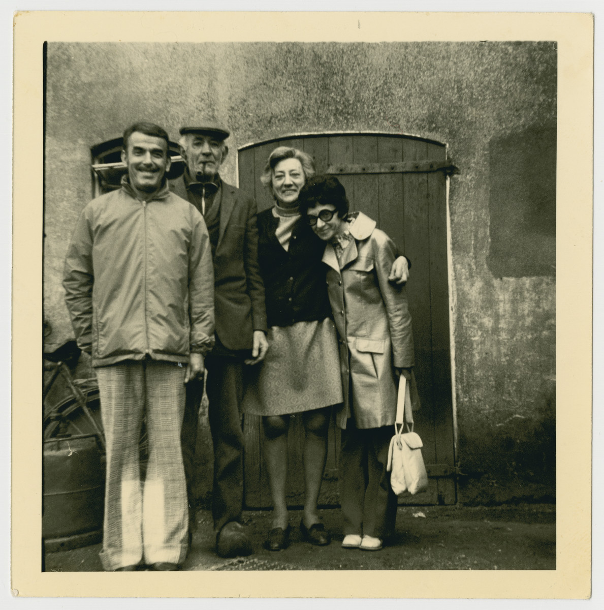 Betty Cohen (formerly Straus) pays a visit to her wartime rescuers.  From left to right are Rudi Cohen (Betty's husband), Joep Garben, Agnes Garben, and Betty Cohen.