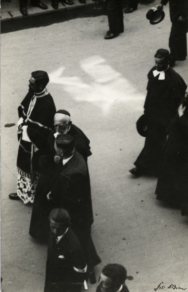 Clergy march in the funeral procession of Mayor of Szeged.   Rabbi Immanuel Low is in front,; Rabbi Jeno Frenkel is in the back row.