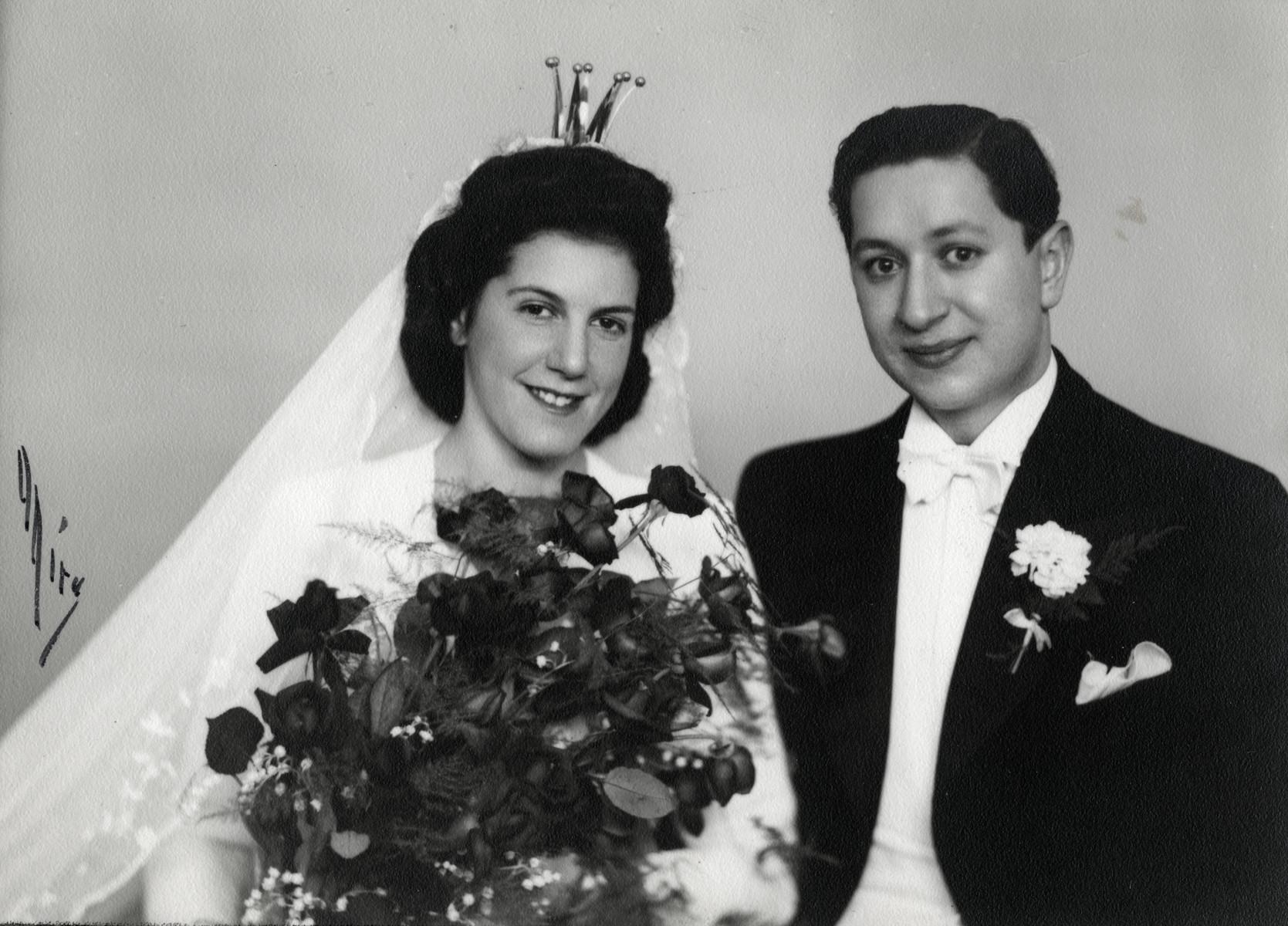 Wedding portrait of Astrid Newmann and Elias Feigen.