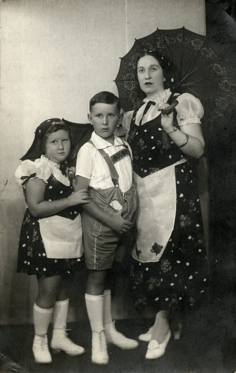 Prewar portrait of Edit Frenkel with her two children Imre and Judit  dressed in Austrian style clothes.