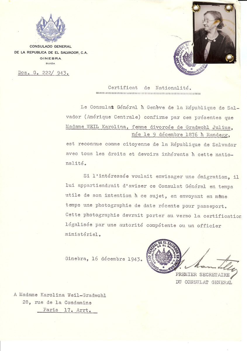 Unauthorized Salvadoran citizenship certificate issued to Karolina Weil (b. December 9, 1876 in Randegg) by George Mandel-Mantello, First Secretary of the Salvadoran Consulate in Switzerland and sent to her residence in Paris.