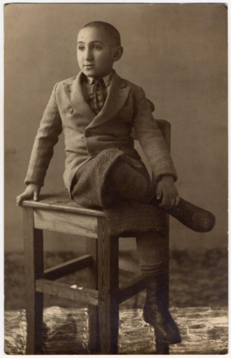 Studio portrait of David Leib Remz, the son of Lazar.